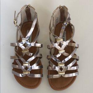 Steve Madden sandals in rose gold – girls size 12